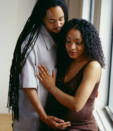 african-american-couple-pregnant
